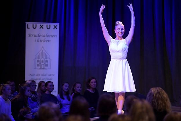 En kommende konfirmand i en af Luxux-modellerne. Foto: Claus Søndberg