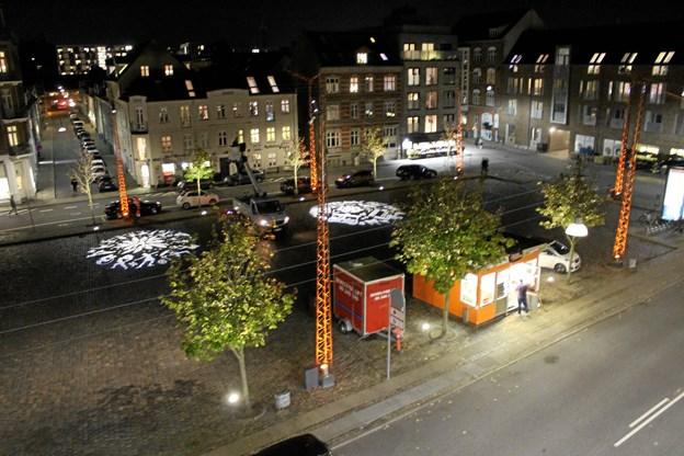 Torvet når mørket falder på. Foto: Aalborg Kommune