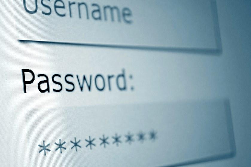 Hvis hackere får adgang til din telefon eller computer, kan de se personfølsomme oplysninger. Seks sikkerhedsråd kan hjælpe med at holde hackerne ude.