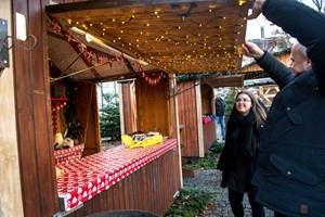 Lågerne slået op for julemarkedet