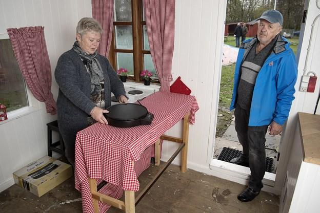 På søndag er bestyrelsesmedlem Anni Christiansen og andre frivillige klar med pandekager i Pandekagehuset. Formand Ole Mouritzen glæder sig allerede.