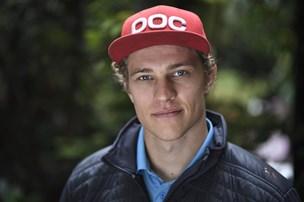 Ung skiløber fra Hobro Skiklub tør stile højt