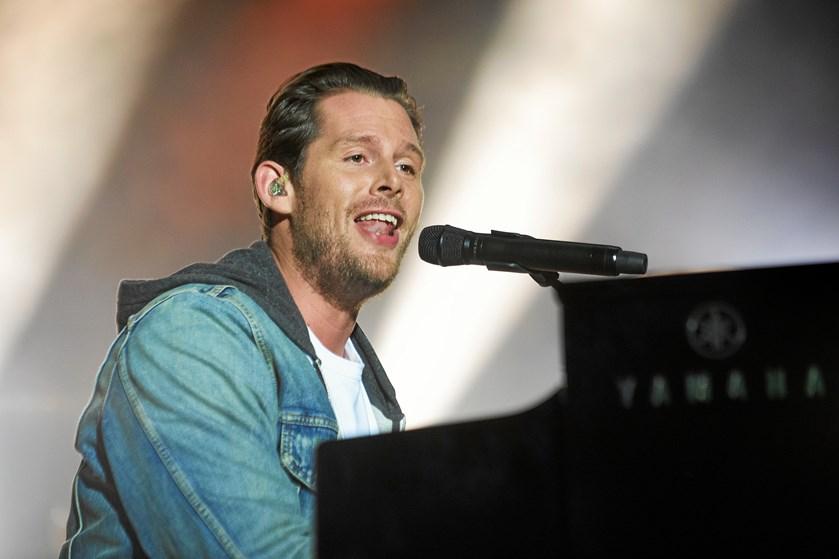 Den populære danske sanger har lavet et helt album til sin søn for at fortælle ham om sit liv.