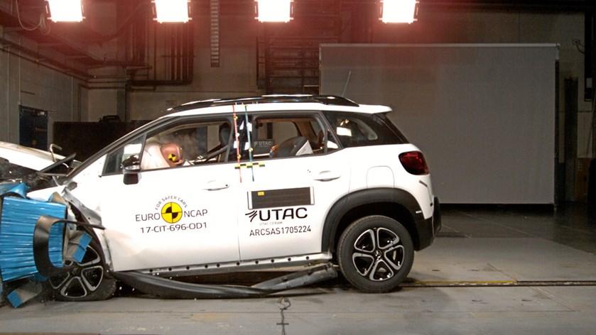 Otte nye biler opnåede ved EuroNCAPs seneste crashtest maksimale fem stjerner, som udløser de nyindførte sikkerheds-fradrag. FDM vil tjekke, om de nu også lander i bilisternes lommer