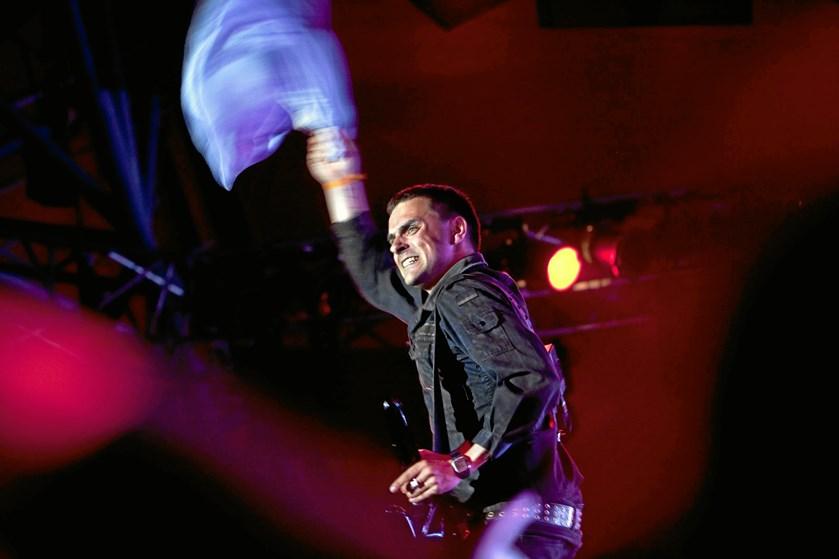 Roskilde Festival er klar med ti danske navne til sommerens festival. Nephew er tilbage på Orange Scene.