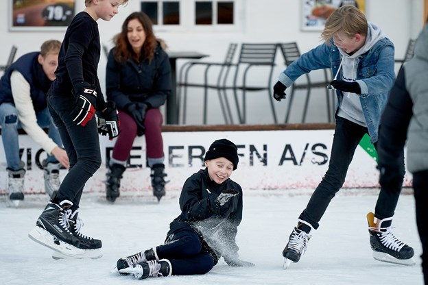 Allerede umiddelbart efter åbningen var der masser af aktivitet på skøjtebanen, der åbnede første gang i 1999.