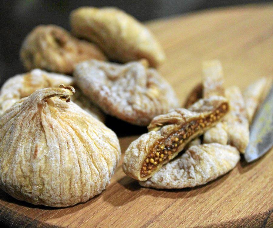 Spanske figner og honningkagesnitter kaldes tilbage efter henholdsvis fund af larver og mug.