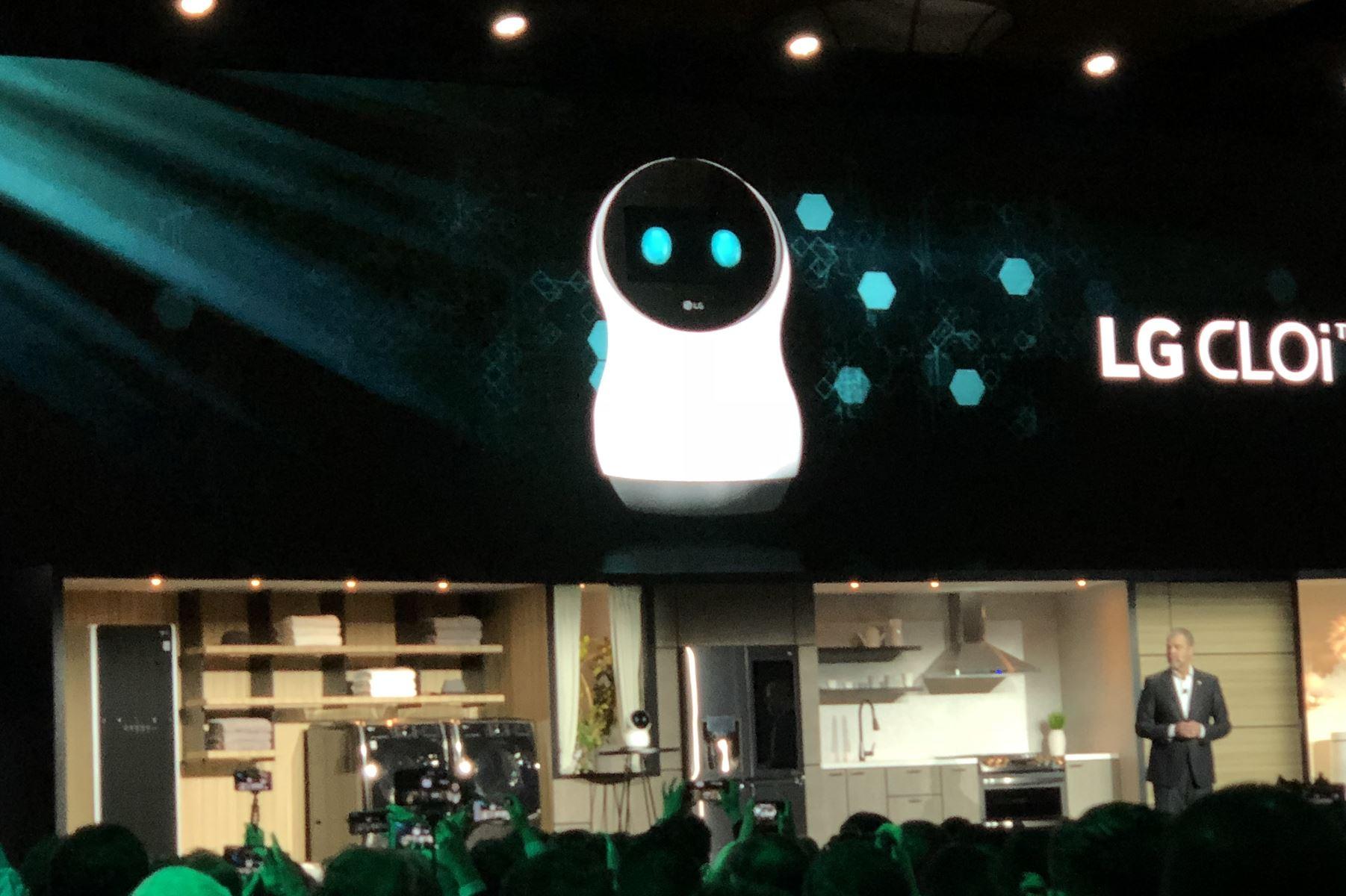 En lille robot, der kan styre hjemmets teknologi, gik i sort under verdenspræsentationen i Las Vegas.