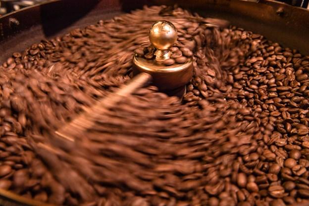 Kaffen kommer blandt andet fra Peru og Venezuela.