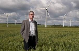 72-årig investor er stadig helt elektrisk med grøn energi