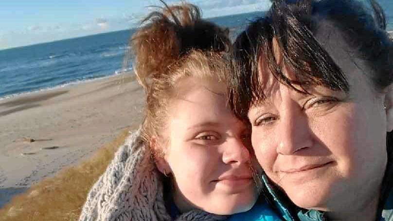 """Mikka kæmper for sin syge niece: """"Var det ikke for dig, moster, var jeg død."""""""