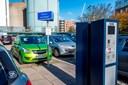 Krøl p-billetten sammen: Nu bliver parkeringen digital