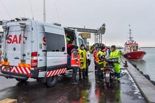 77-årig var alene i bil, der kørte i havnen