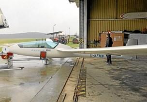 Nye svævefly erstatter de stjålne