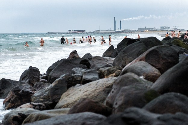 Mere end 300 hopper i havet fredag