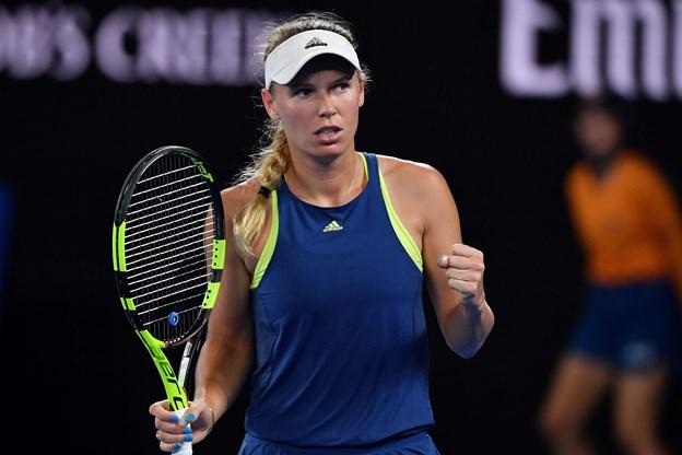 Wozniacki slår spanier og er i semifinale