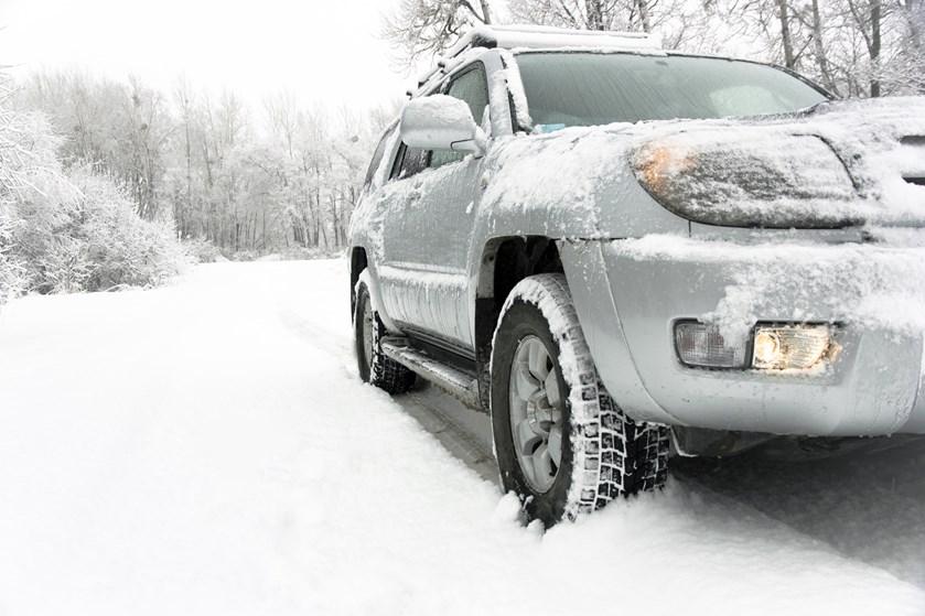 Med skiene i tagboksen drager mange af sted mod de høje tinder i denne tid, men er der styr på bilforsikringen på kør-selv-ferien?