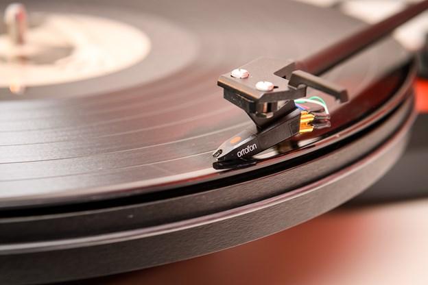 Mulighed for at lytte til pladerne og fordybe sig er noget af det, Bo Larsen satser på for at skille sig ud i forhold til nethandel.