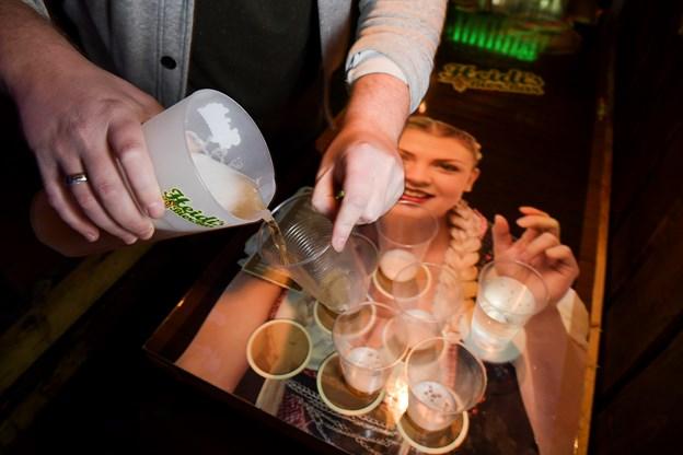 Du kan vinde to billetter til showet i Gigantium, hvis du vinder Heidi's beer pong-turnering.  Foto Claus Søndberg
