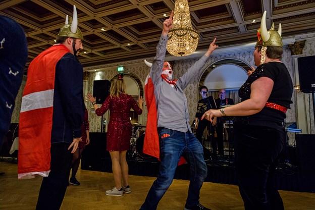 Så snart Brothers Inc. og Ida Lohmann slog første tone an til ABBAs grand prix-klassiker Waterloo var der gang i dansegulvet.