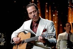 Film: Grum historie om Djangos musikalske passion og nazisternes forfølgelse