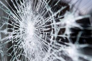 To unge mænd sigtet for omfattende hærværk i Frederikshavn