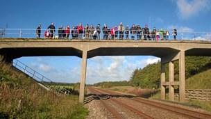 """Landsby i oprør: DSB vil af med """"Hitlerbroen"""""""