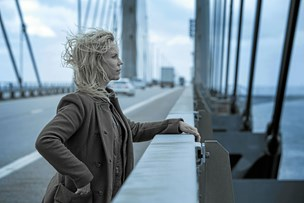 Broen-finale: Saga springer ud som menneske