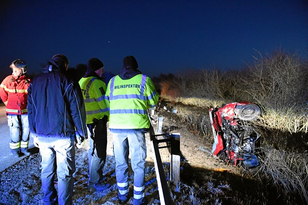 Fire kvæstet i ulykke - meldes uden for livsfare