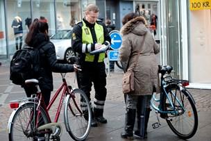 Politiet holder godt øje med cyklister og knallertkørere