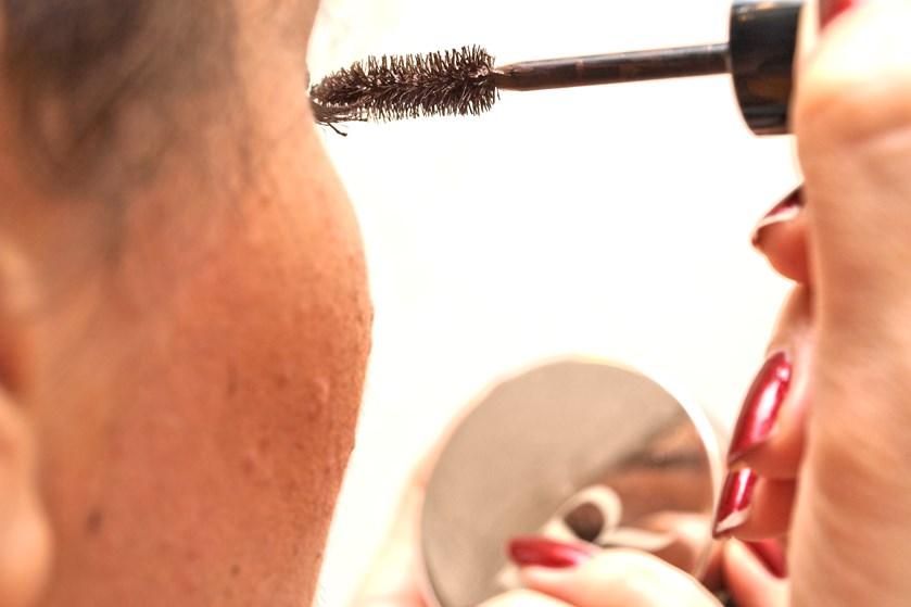 Allergimærket Den Blå Krans vender for første gang tommelfingeren op for to makeup-produkter, hvilket giver forbrugerne nye valgmuligheder, mener Tænk.