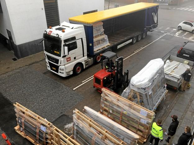 Her er beviset: Lastbilen med brandglasset er nu nået frem til KaffeFair. Foto: KaffeFair