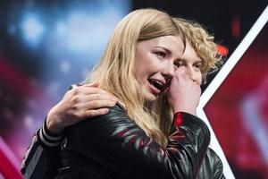 Det blev til et farvel i X Factor for Sol & Christian, der blev smidt ud af Remee. Det kostede tårer.