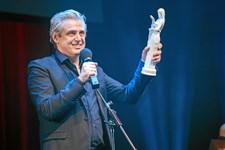 Lørdag aften blev Dejan Cukic hædret med sin første bodilstatuette, da filmanmelderne delte priser ud.