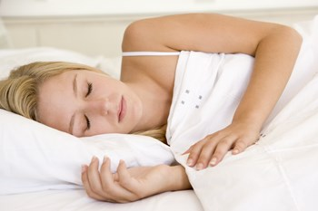 Oplever du smerter i nakken, når du vågner, kan det være på tide at kigge efter ny hovedpude.