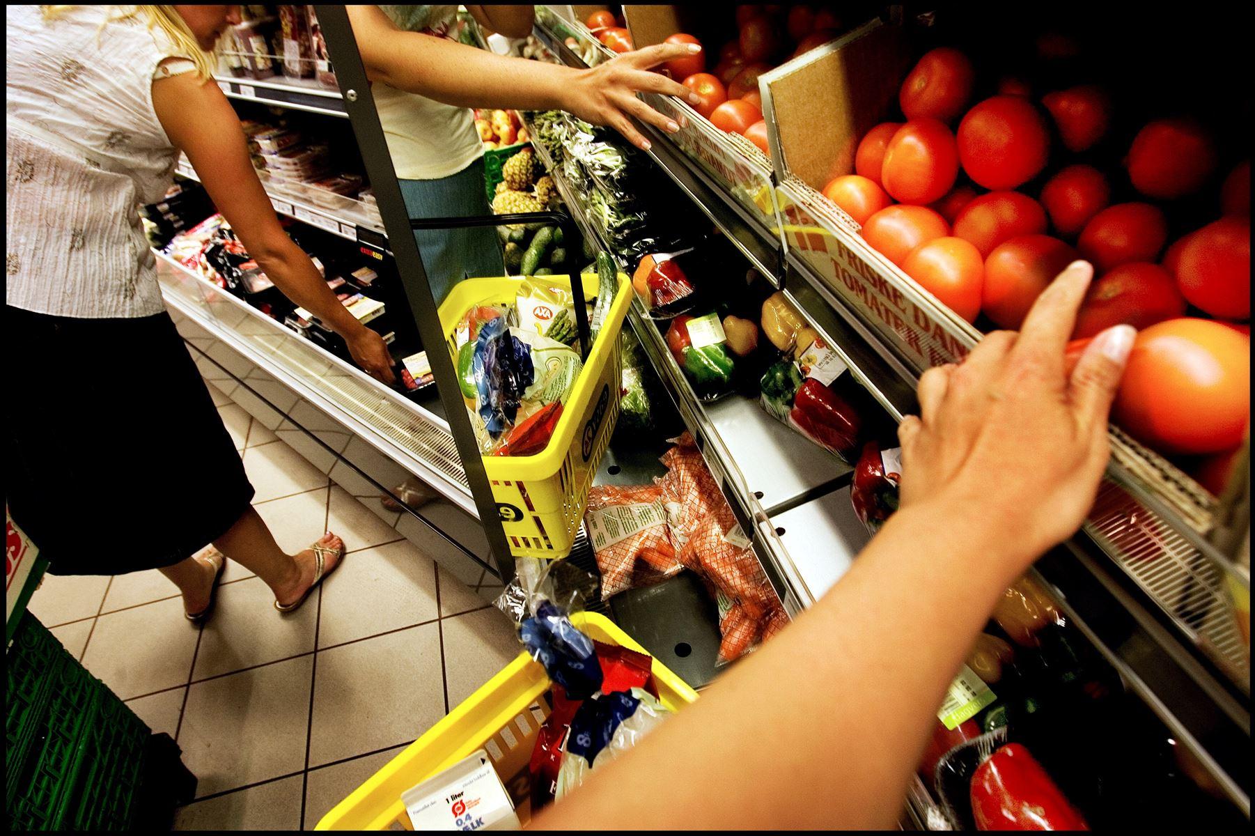 Tal fra Danmarks Statistik viser, at forbrugertilliden ligger på et uændret, men højt niveau.