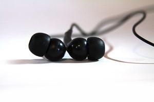 Ørepropperne i høretelefonen er ikke renere, end ens ører er. Og det er faktisk et overraskende stort problem for holdbarheden.