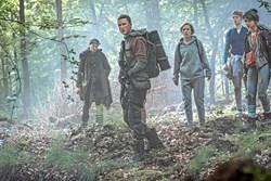 """Der bliver malet med større penselstrøg i Netflix-serien """"The Rain"""" end i dansk tv, fortæller skuespillerne."""