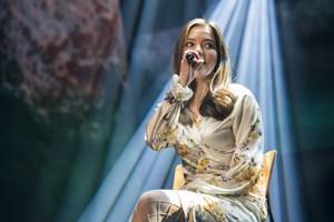 """Vita er ude af """"X Factor"""", men hendes mentor Sanne Salomonsen har stor tiltro til hendes videre færd."""