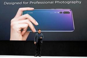 Kinesisk mobilgigant har fokus på kameraet i deres nye smartphone, der bliver verdens første med tre linser.