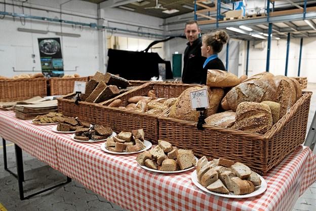 Uhm. Nybagt brød. Foto: Lasse Sand