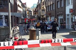Lokale i Münster sidder chokerede tilbage, efter en varevogn lørdag påkørte en menneskemængde og dræbte to.