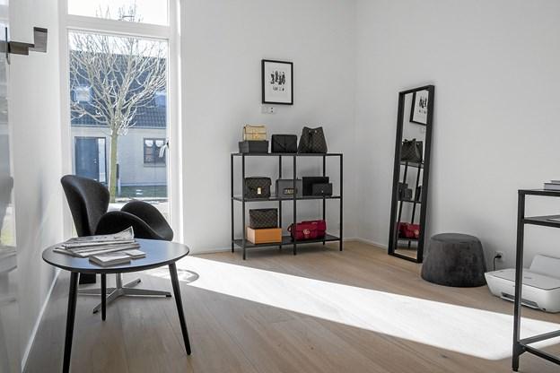 Indtil videre er hendes showroom hjemme i privaten i Hasseris.