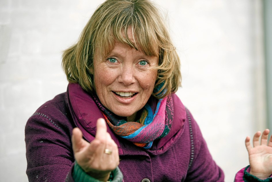 Lola kommer til Aalborg: Lær at løfte pegefingeren