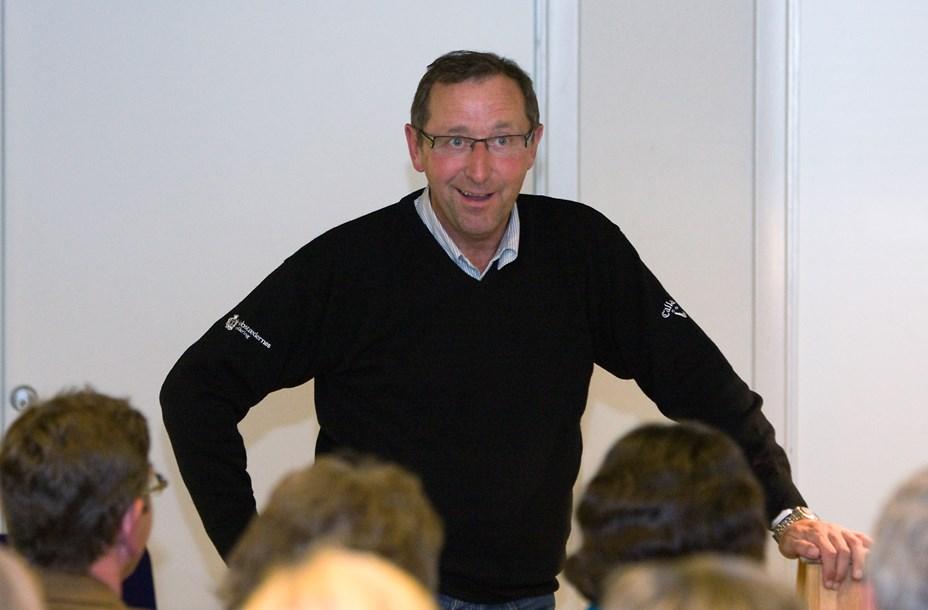 Pengesnak med Finn Nørbygaard i Snedsted