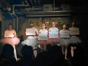Open Stage: Giv Janteloven et slag i maven