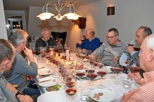 Skab en vinklub og bliv venner i vinen