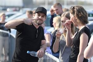 Folk hyldede Vejgaard-Jamie til X Factor koncert