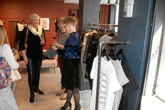 Ved fredagens reception kunne de tilstedeværende også tage en række spændende kollektionsprøver i øjesyn. Foto: Ole Skouboe