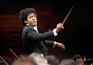 Ufattelig smukt: Ung mesterdirigent løfter Mahler til stjernerne